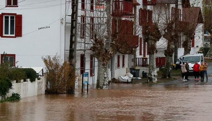 Σφοδροί άνεμοι πλήττουν την Γαλλία: Ένας νεκρός, πέντε τραυματίες