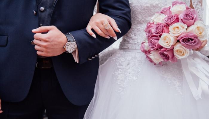 Η νύφη που «έφαγε» μπουνιά από τον κουμπάρο χώρισε λίγες ώρες μετά