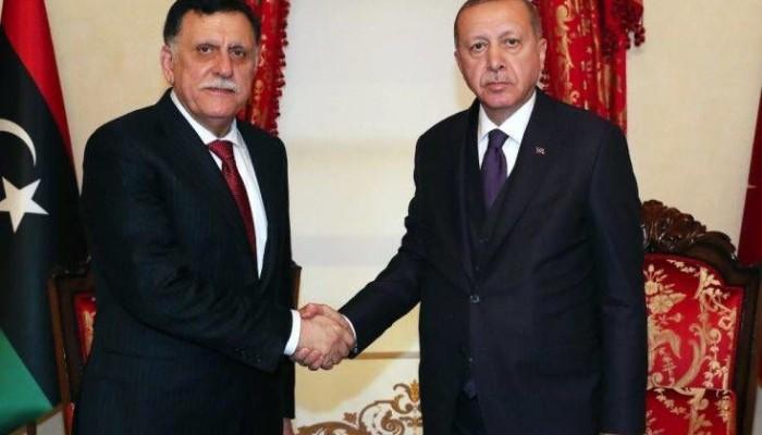 Τουρκία-Λιβύη: Αιφνιδιαστική συνάντηση Ερντογάν – Σάρατζ