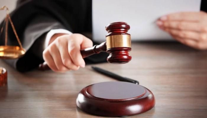 Αθώος λόγω άμυνας ο ιδιοκτήτης μπαρ που τραυμάτισε θαμώνα