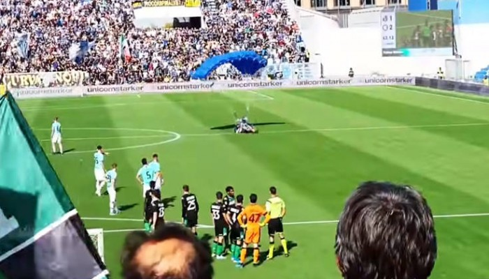 Ποδοσφαιρικές στιγμές που δεν ξεχνιούνται (Βίντεο)