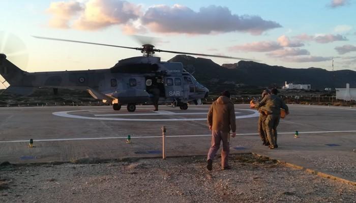 Υπάλληλοι της ΔΕΔΔΗΕ μεταφέρθηκαν με ελικόπτερο στα Αντικύθηρα (φωτο)