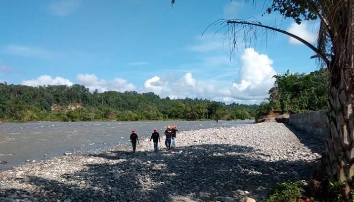 Πεζογέφυρα κατέρρευσε στην Ινδονησία, τουλάχιστον εννιά νεκροί