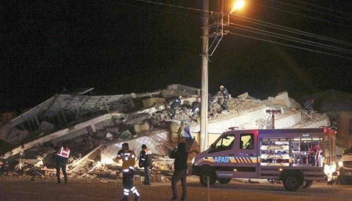 Ισχυρός σεισμός στην Τουρκία: Στους 19 ανέβηκαν οι νεκροί – Πάνω από 900 οι τραυματίες