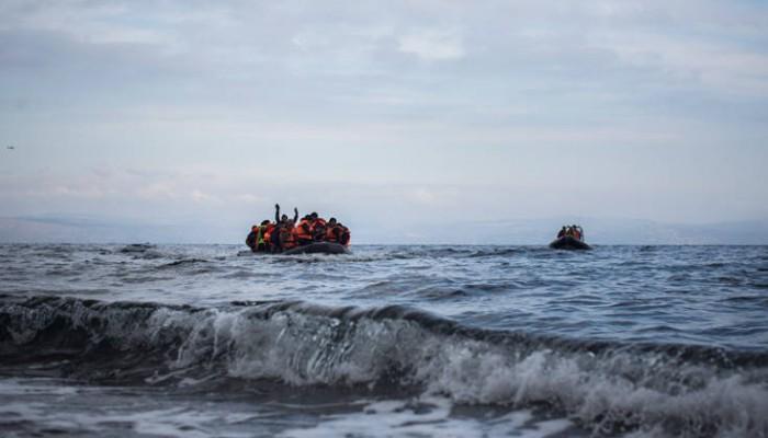 «Τείχη στη θάλασσα»: Επικριτικά σχόλια για τον πλωτό φράχτη που σχεδιάζει η Αθήνα