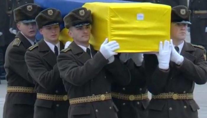 Επαναπατρίστηκαν οι σοροί  11 Ουκρανών επιβατών που έχασαν τη ζωή τους στο μοιραίο Boeing