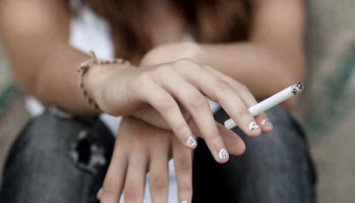 Έρευνα - σοκ: Τα ελληνόπουλα ξεκινούν το ποτό, το τσιγάρο και την κάνναβη στα 13