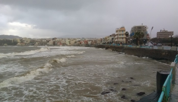 ΔΕΥΑΧ: Γιατί έπεσαν λύματα στη θάλασσα στο Κουμ Καπί