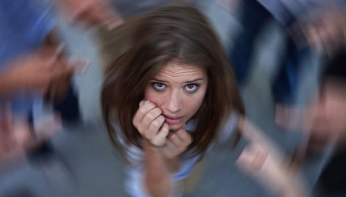 Τι λέξεις και φράσεις πρέπει να λέτε σε όποιον παθαίνει κρίση πανικού