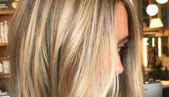 Stone blonde: Η νέα απόχρωση ξανθού που προτείνουν οι κομμωτές