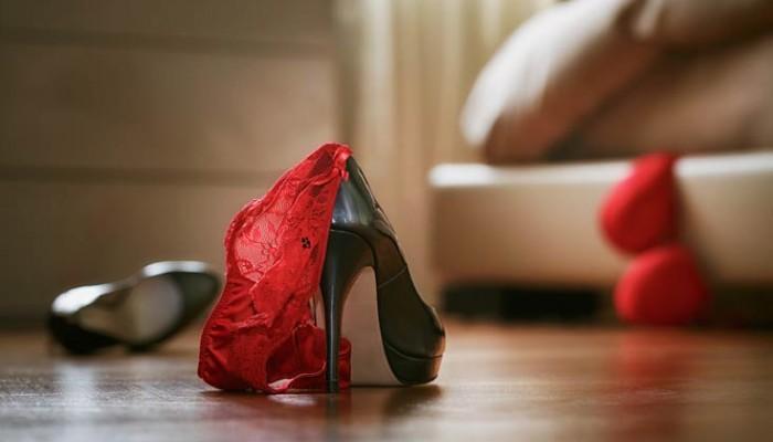 Απειλούσε παντρεμένο να της δώσει λεφτά για να μην αποκαλύψει την εξωσυζυγική σχέση τους