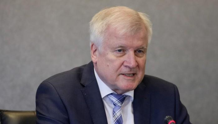 Γερμανία:Υπερ της ακύρωσης της έκθεσης Τουρισμού ΙΤΒ τάσσεται ο υπ. Εσωτερικών Χ. Ζεεχόφερ