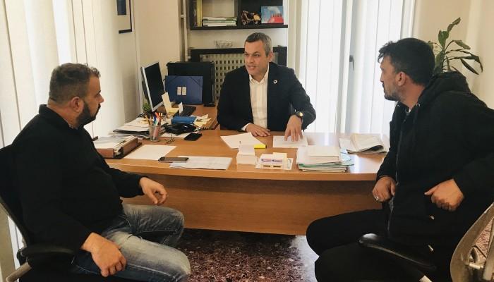 Συνάντηση Χάρη Μαμουλάκη με Παγκρήτιο Σύλλογο Έλληνων Τσιγγάνων