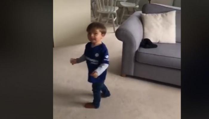 Μπόμπιρας 2 ετών έχει σημάδι που θα ζήλευε και ο Κριστιάνο Ρονάλντο