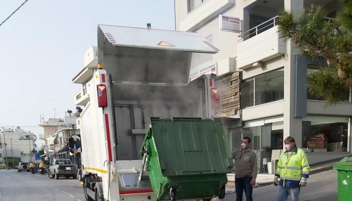 Στους δρόμους του Αγίου Νικολάου, από σήμερα το όχημα πλύσης κάδων