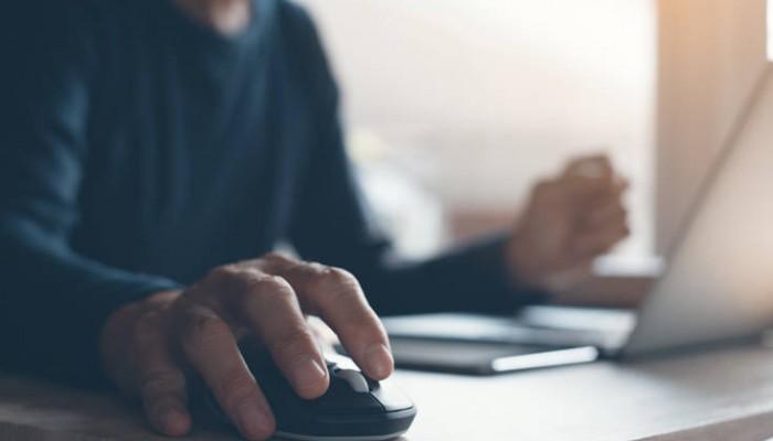 Κορονοϊός: Πώς η τεχνολογία μάς βοηθάει τις μέρες που μένουμε σπίτι