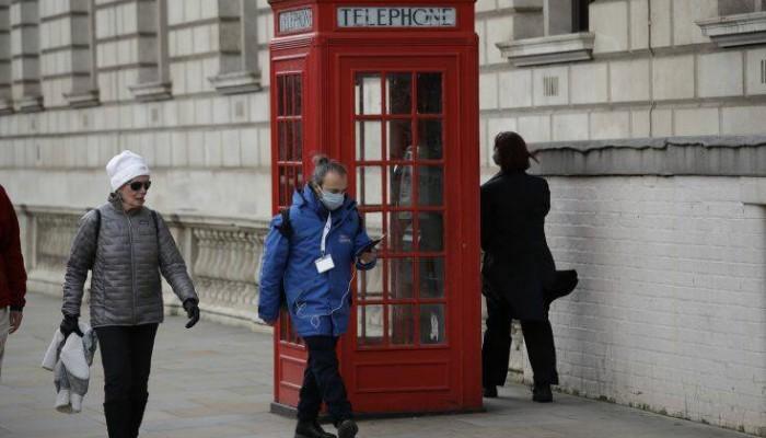 Το Ηνωμένο Βασίλειο θα πληρώνει influencers και youtubers για τον κορωνοϊό