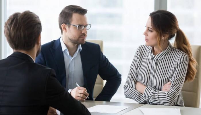 H άβολη ερώτηση που πρέπει οπωσδήποτε να κάνεις σε μια συνέντευξη για δουλειά