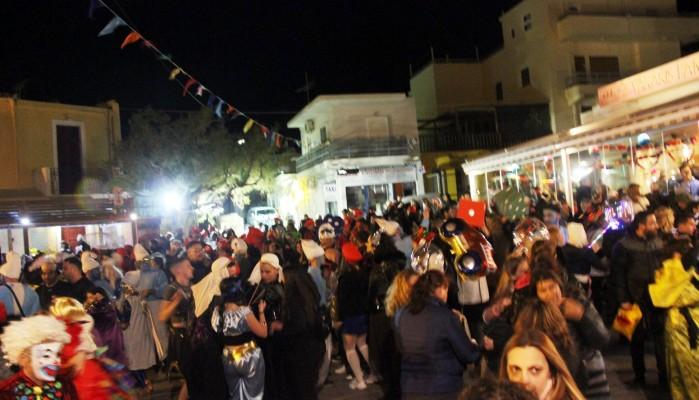 Όλη η Παλαιόχωρα ένα αποκριάτικο πάρτι (φωτο – βίντεο)