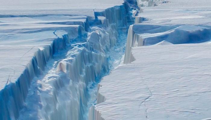 Οι πάγοι σε Ανταρκτική & Γροιλανδία λιώνουν με εξαπλάσιο ρυθμό σε σχέση με τη δεκαετία '90