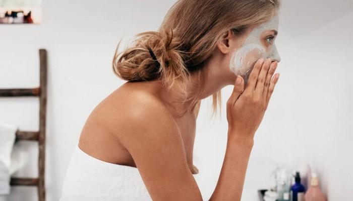 Η γρήγορη και σπιτική μάσκα ομορφιάς για να ξεκινά η μέρα με λάμψη