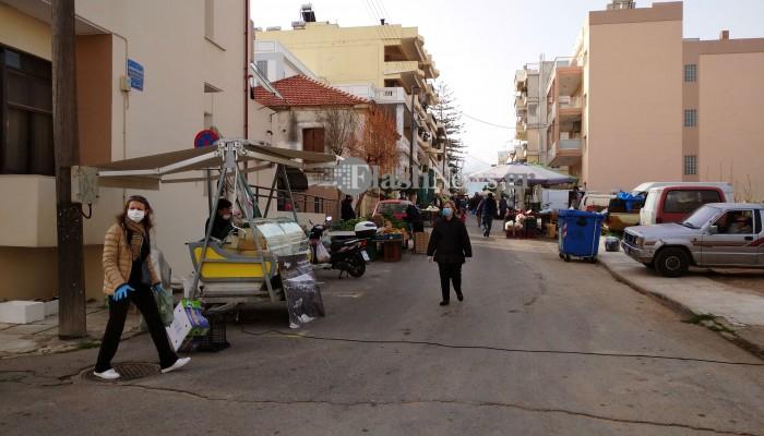 Λαϊκή αγορά Χανίων: Μικρή κίνηση – Δεν πήγαν καν παραγωγοί που είχαν άδεια (φωτο – βίντεο)