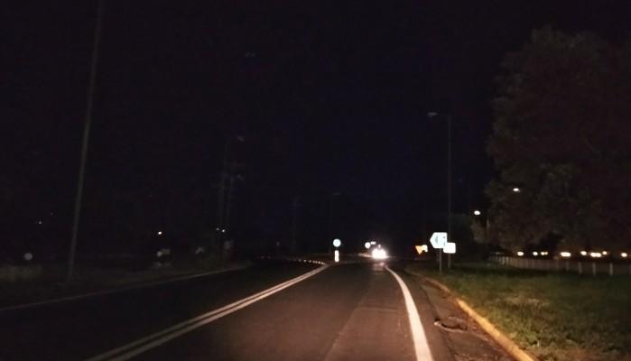 Στο σκοτάδι ο κόμβος του δρόμου προς το αεροδρόμιο Χανίων (φωτο)