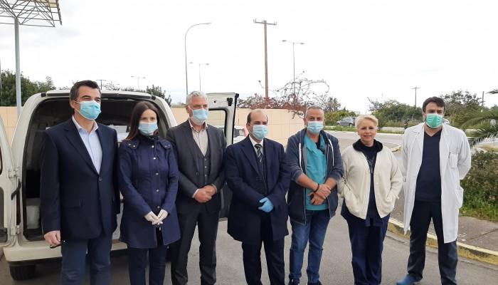 Η Τράπεζα Χανίων πρόσφερε 15.000 μασκες στο νοσοκομείο Χανίων (φωτο)