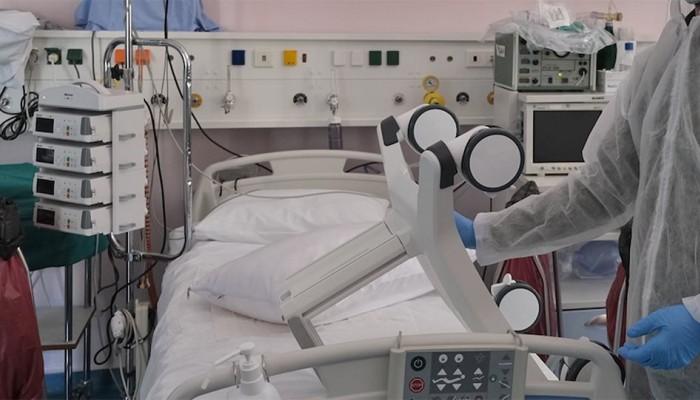 Κορωνοϊός - Ασκληπιείο Βούλας: Η στιγμή της αποσωλήνωσης ασθενή (φωτο)