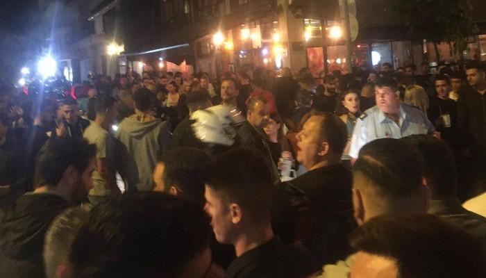 Ένταση έξω από μπαρ της Θεσσαλονίκης τα ξημερώματα (βίντεο)