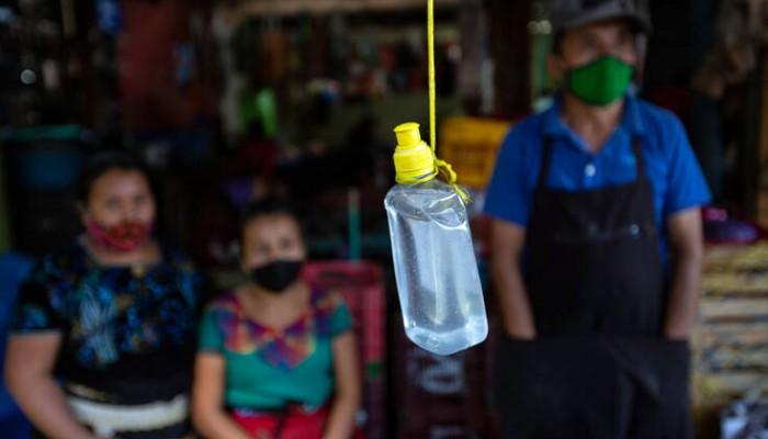 «Βέλη» από τον πρόεδρο της Γουατεμάλα στις ΗΠΑ επειδή της στέλνει… μολυσμένους μετανάστες