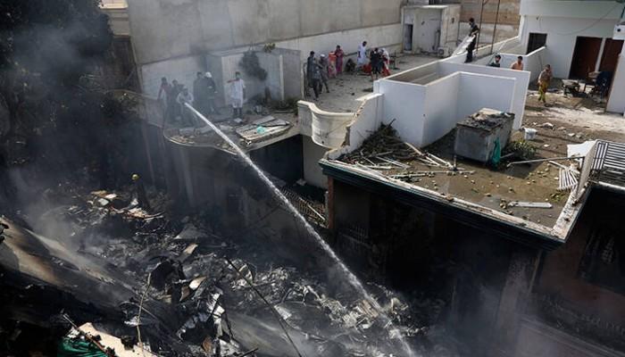 Αεροπορική τραγωδία στο Πακιστάν: Εντοπίστηκαν τα μαύρα κουτιά