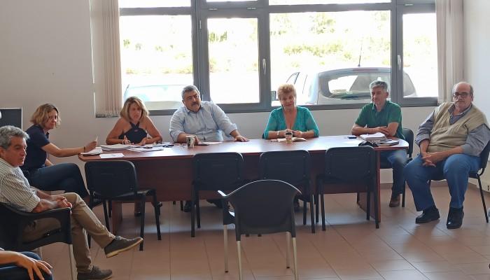 Συνάντηση υπηρεσιών με εργολάβους δακοκτονίας στην Διεύθυνση Αγροτικής Οικονομίας Χανίων