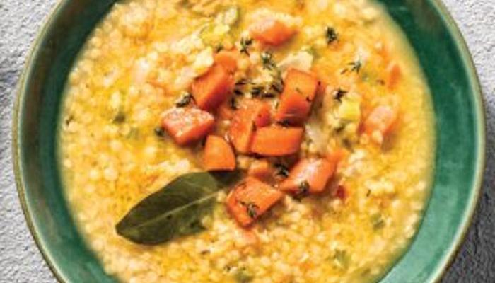 Σούπα με κόκκινες φακές και καρότα γλασέ με πετιμέζι