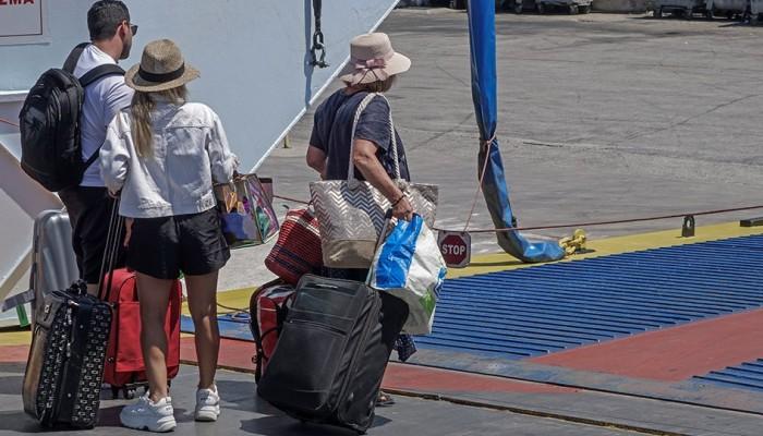 Ακτοπλοΐα: Χαλαρώνουν τα μέτρα - Περισσότεροι επιβάτες στα πλοία