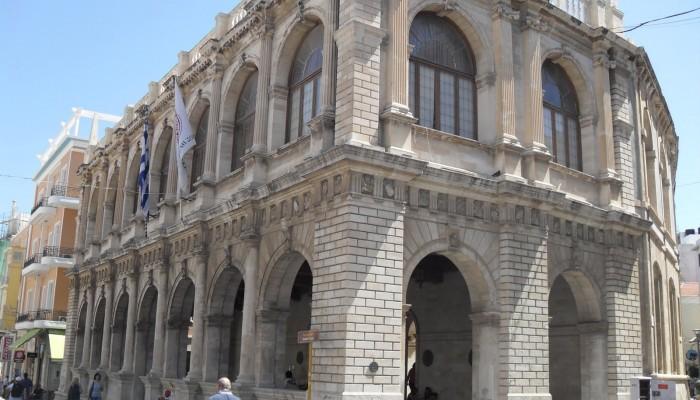 Στην ανάπλαση 11 δρόμων του Ηρακλείου προχωράει ο Δήμος