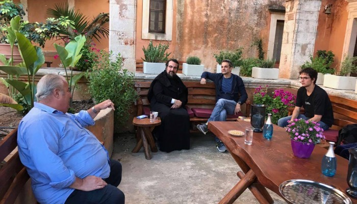Στη Μονή της Αγίας Τριάδας στα Χανιά ο Πρωθυπουργός Κυριάκος Μητσοτάκης (φωτο)