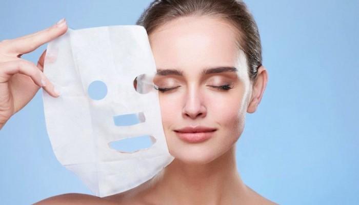 Sheet mask: Θα την φτιάξετε μόνες σας και θα ενθουσιαστείτε με το αποτέλεσμα