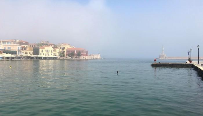 Η ...ομίχλη που σκέπασε τα Χανιά και δημιούργησε απορίες και ερωτήματα (φωτο)