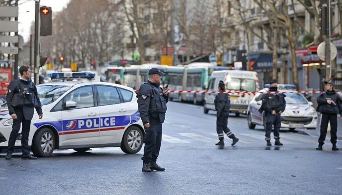 Λήξη συναγερμού στο Παρίσι: Δεν εντοπίστηκε ο ένοπλος