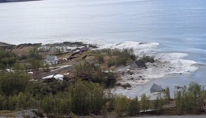 Τεράστια κατολίσθηση στη Νορβηγία – Σπίτια γλίστρησαν στη θάλασσα, «έτρεξα για να σωθώ»