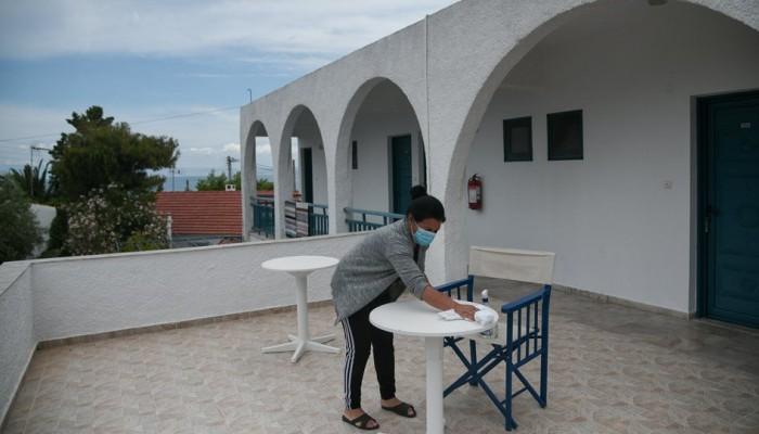 Άρση μέτρων: Ποδαρικό με άνοιγμα ξενοδοχείων και δημοτικών
