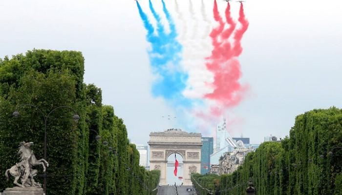 «Μίνι» παρέλαση στο Παρίσι για τη 14η Ιουλίου λόγω κορωνοϊού (φωτο)