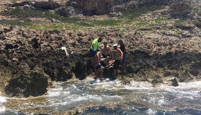 Επιχείρηση διάσωσης 67χρονου από το νησί Άγρια Γραμβούσα στην Κίσαμο (φωτο)
