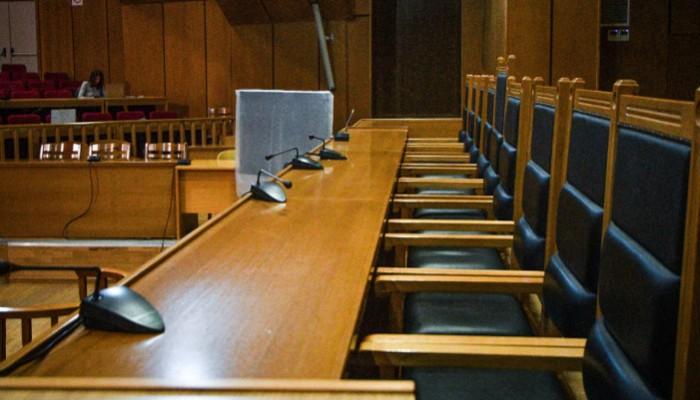 Ρόδος: Παραπομπή σε δίκη 52χρονου εκπαιδευτικού -Φέρεται να είχε ερωτική σχέση με 14χρονη