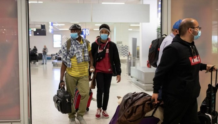Γερμανικά ΜΜΕ: «Η Ελλάδα εκπλήσσει με τη ριψοκίνδυνη στρατηγική της στον τουρισμό»