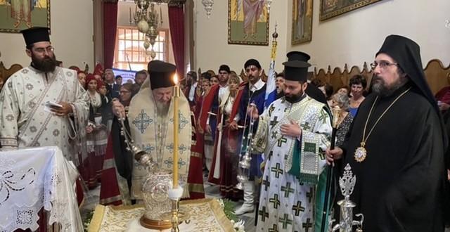 Υποδοχή της Τιμίας Κάρας του Αγ. Νικολάου Πλανά στην Αγία Τριάδα των Τζαγκαρόλων (φωτο)