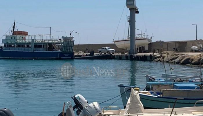 Μεγάλη επιχείρηση του Λιμενικού στην Παλαιόχωρα - Έχει αποκλειστεί το λιμάνι (φωτο)