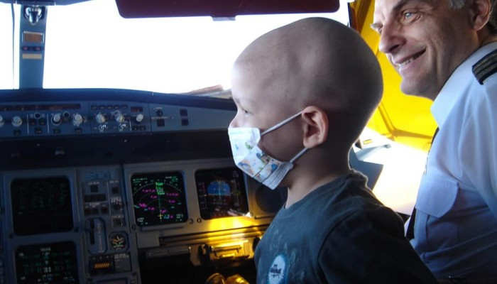 Μητέρα παιδιού που έδωσε «μάχη» με τον καρκίνο ξεσπά για τις μάσκες στα σχολεία