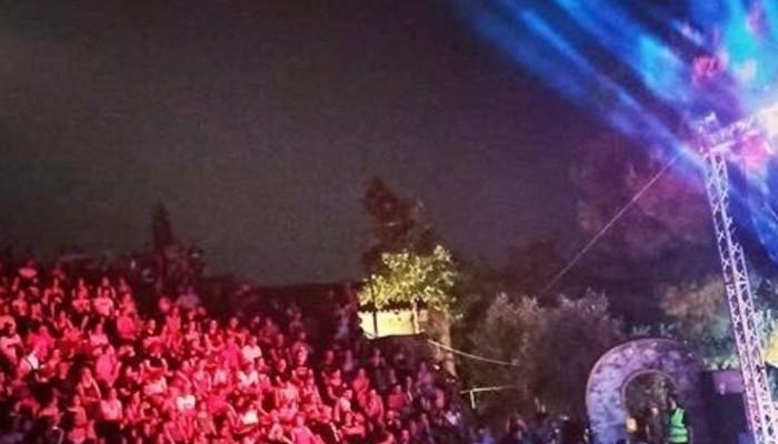 Σύλληψη διοργανωτή συναυλίας του Σ.Μάλαμα - Σφραγίστηκαν για 15 ημέρες δύο μπαρ